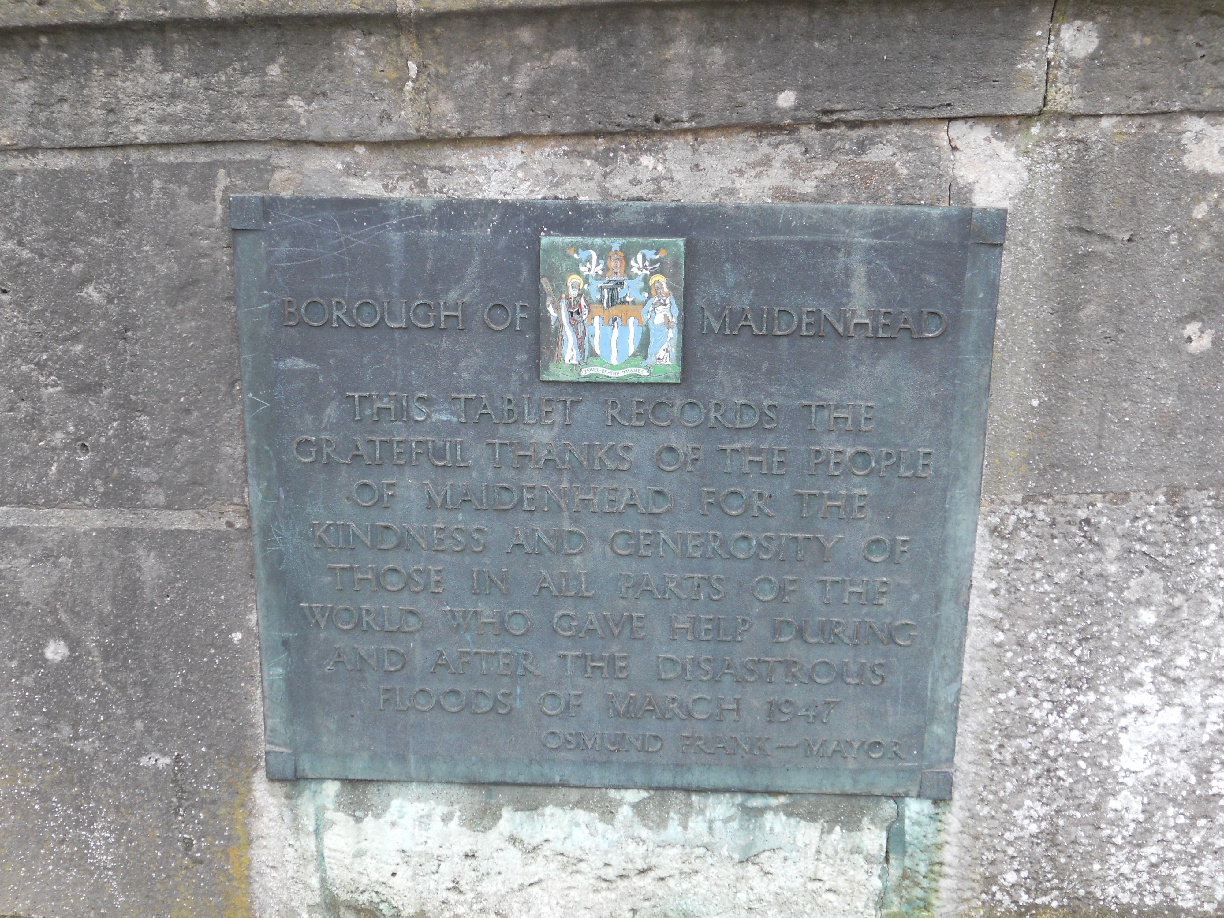 Maidenhead Bridge 1947 flood commemorative plaque