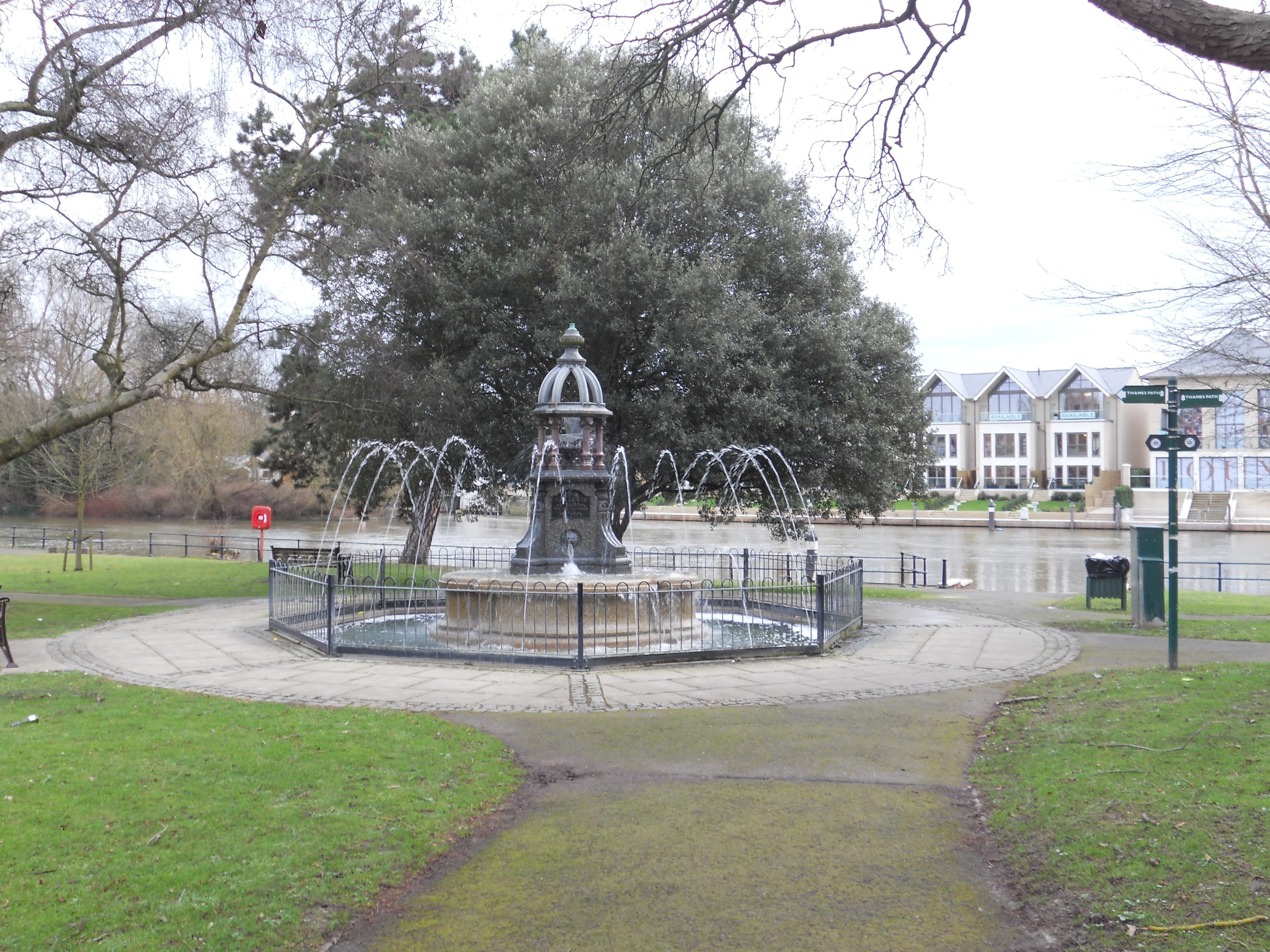 Ada Lewis Monument at Maidenhead Riverside, besides the River Thames
