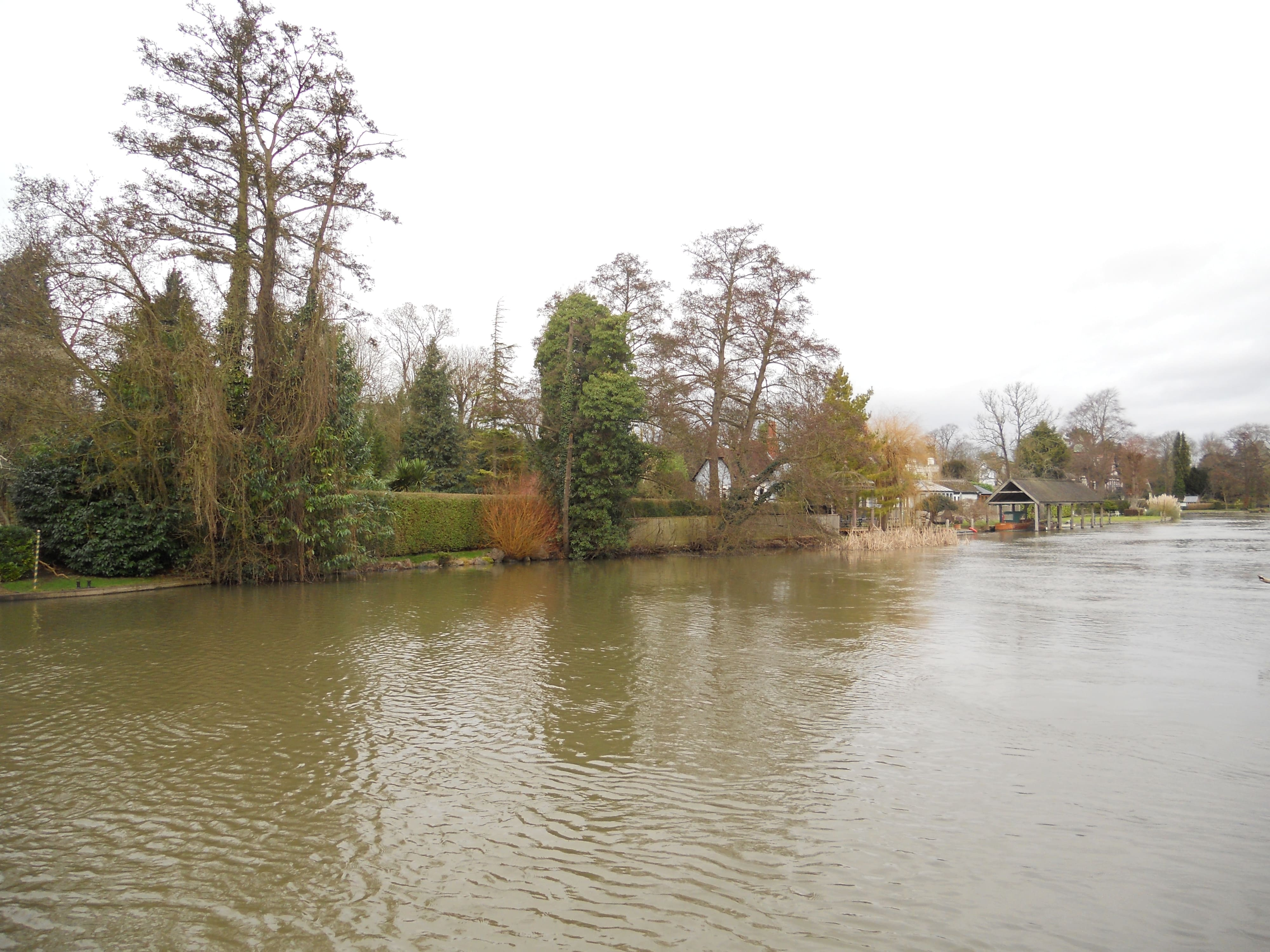 The Thames at Boulters Weir
