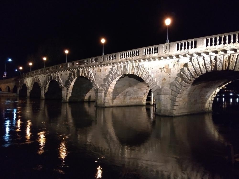 Maidenhead bridge at night