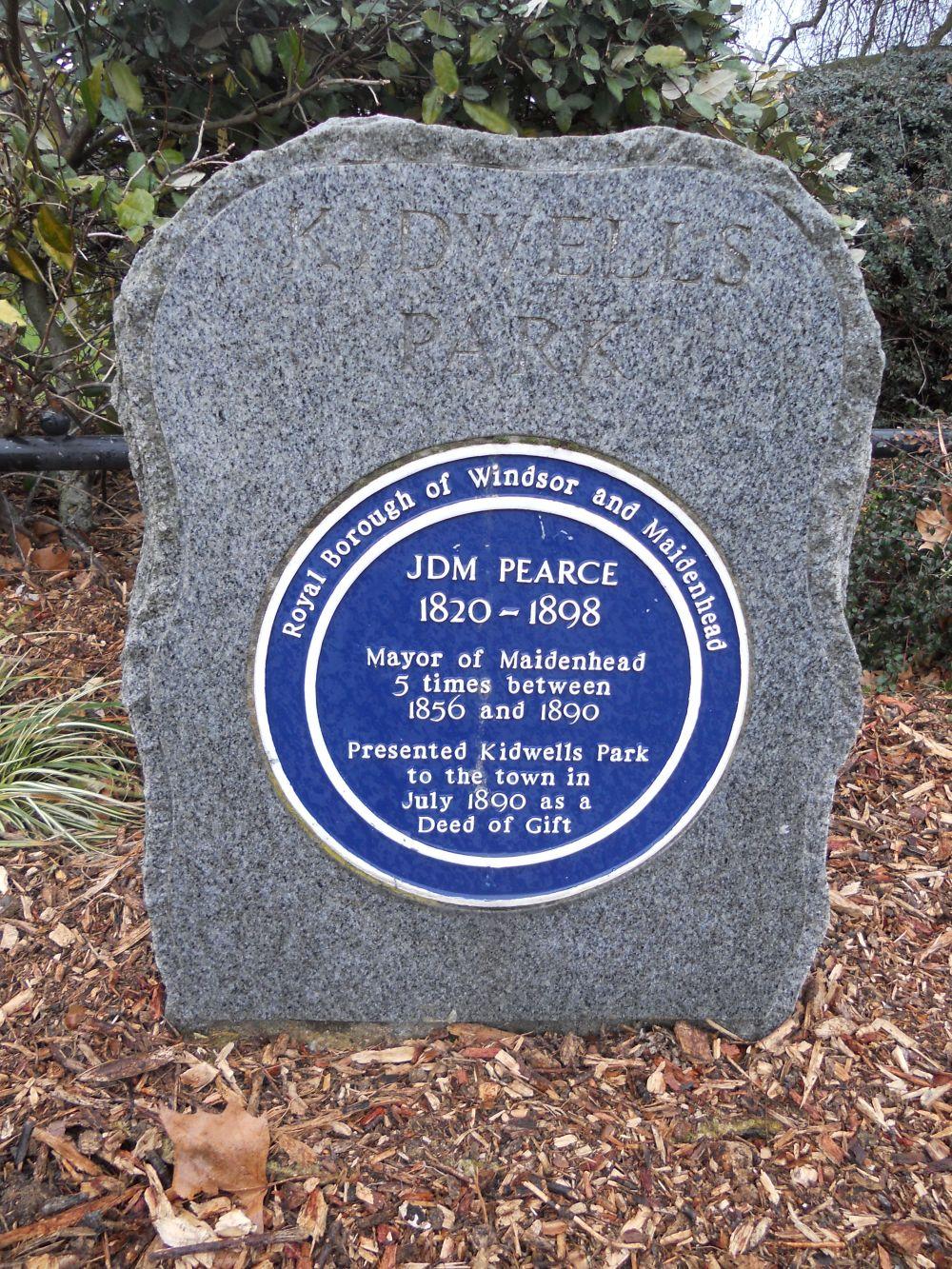 Kidwells Park commemorative plaque to JDM Pearce