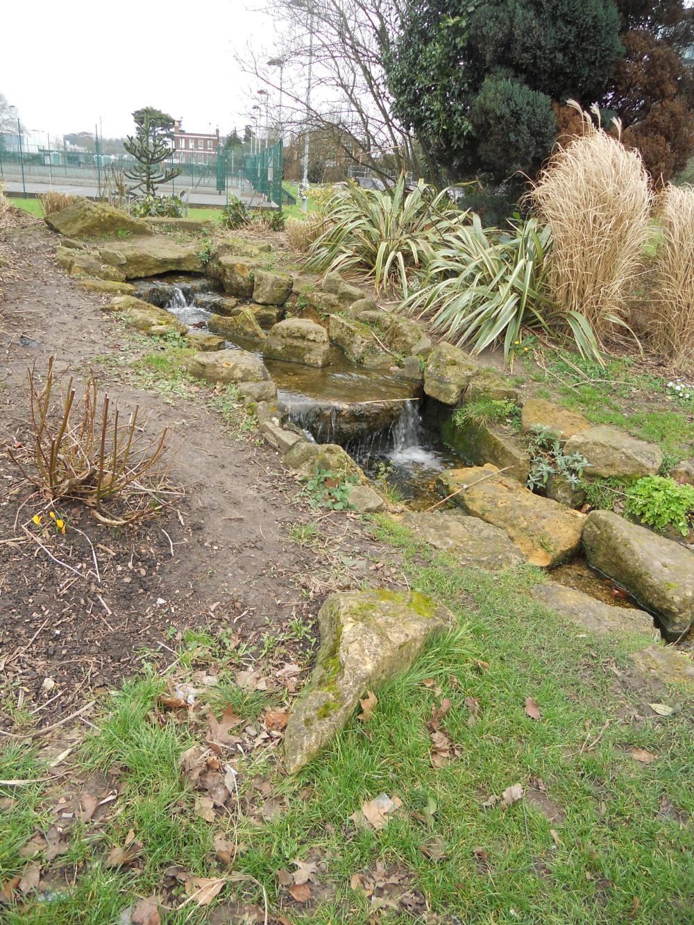 Kidwells Park stream