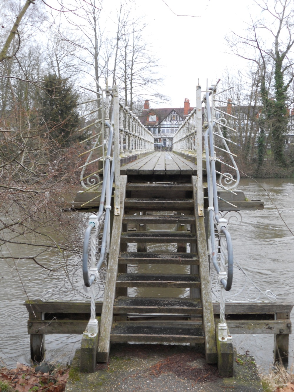 Footbridge over the Thames to Guards Club Island