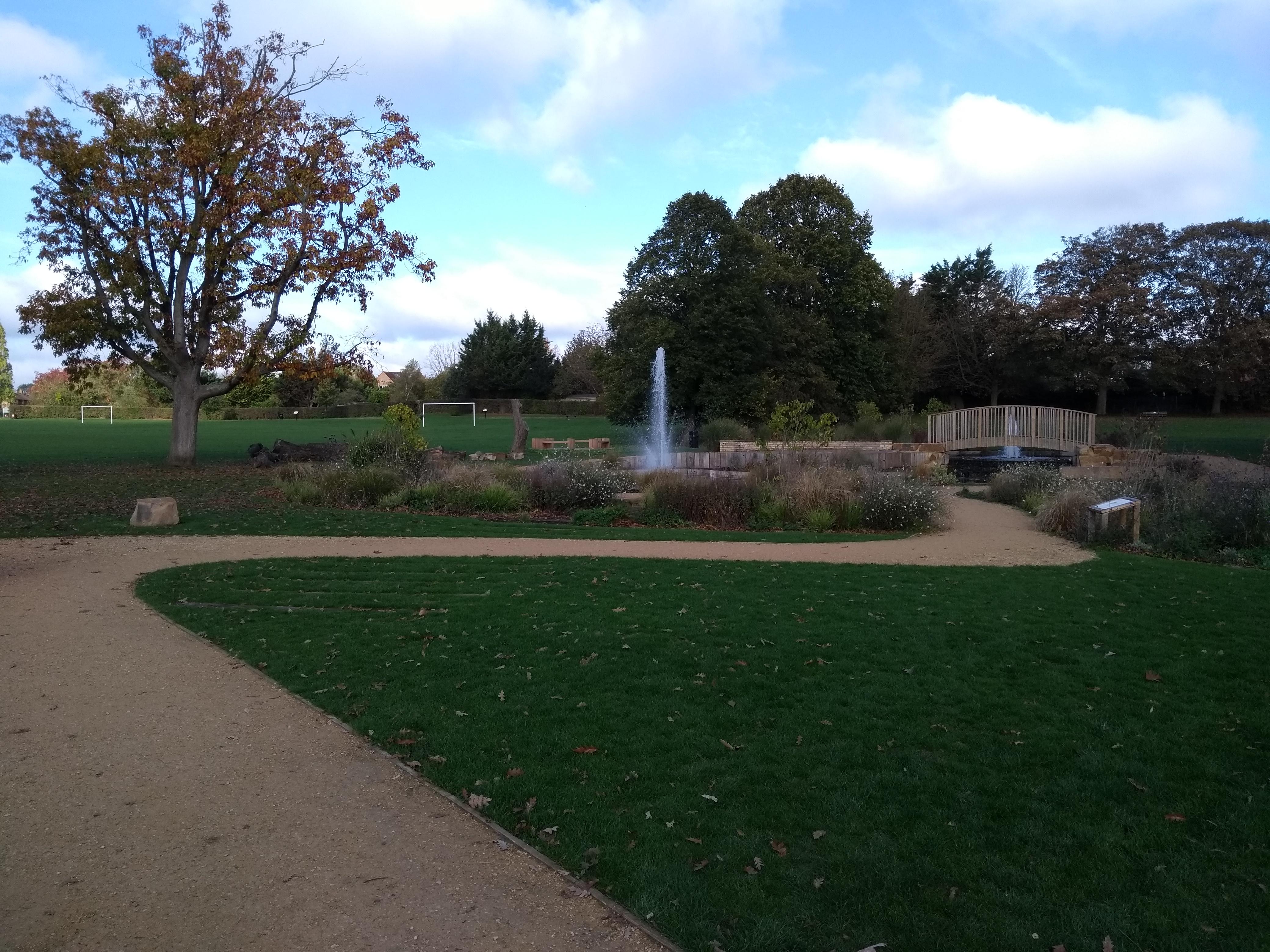 Sir Nicholas Winton garden
